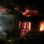 Пожар в Бельцах: загорелся заброшенный дом