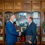 Президент провёл встречу с послом России: какие вопросы обсуждались (ФОТО, ВИДЕО)