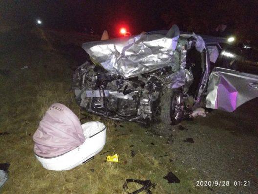 В жуткой аварии в Рышканах погибли двое взрослых и младенец