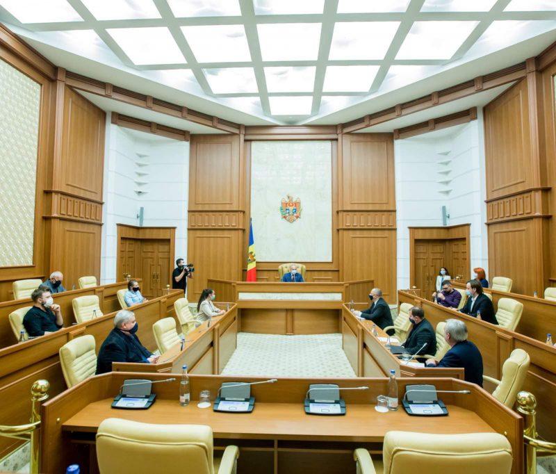 Президент выразил готовность помочь с решением проблем в сфере кинематографа (ФОТО, ВИДЕО)