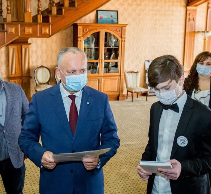 Додон подчеркнул важность сохранения пушкинского наследия в нашей стране как одного из культурных мостов между народами Молдовы и России (ФОТО, ВИДЕО)