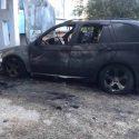 В Вулканештах дотла сгорел автомобиль. Стоявшие рядом машины были повреждены (ВИДЕО)