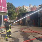 Пожар на Ботанике: загорелся гараж (ФОТО)