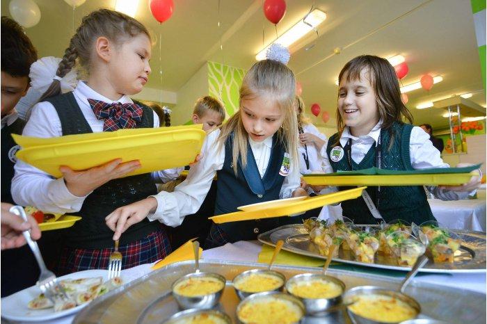 В школах муниципия вновь заработали столовые