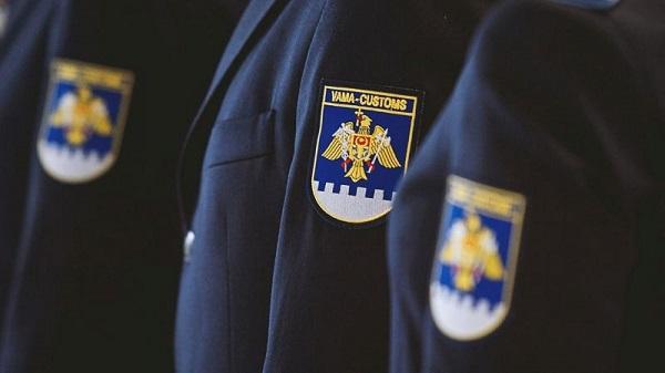 Руководство страны поздравило работников Таможенной службы с профессиональным праздником