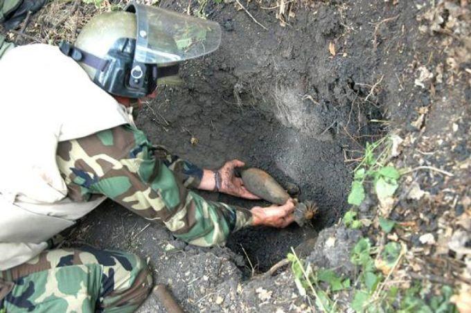 В августе сапёры обезвредили десятки снарядов