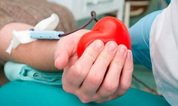 Доброе дело: переболевших коронавирусом пациентов просят пожертвовать плазму для других больных