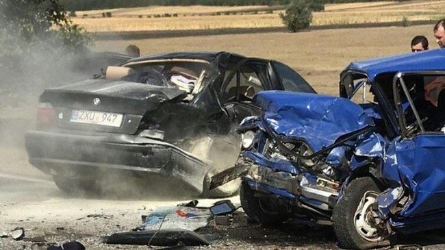 По меньшей мере один человек погиб в жуткой аварии в Чимишлии (ФОТО)