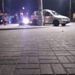 Авария в центре столицы: машина вылетела на тротуар и врезалась в столб (ФОТО)