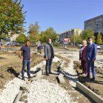 Продолжаются работы по восстановлению аллеи на бульваре Мирча чел Бэтрын