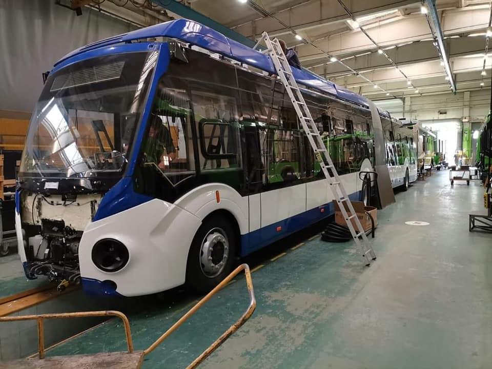 В этом месяце в Кишинёв доставят 5 новых двухзвенных троллейбусов (ФОТО)