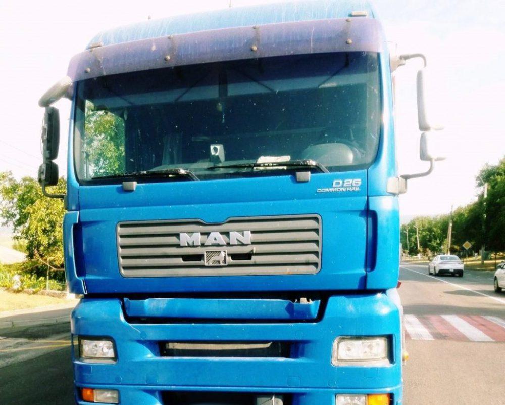 В Оргееве пожилая женщина попала под колёса грузовика