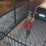 """""""Засветился"""" на камеру: в столице поймали велосипедного вора (ВИДЕО)"""