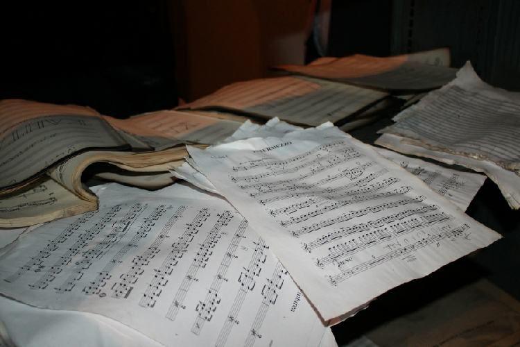 Документы, спасённые во время пожара в филармонии, будут оцифрованы Национальной библиотекой