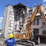 Начался снос аварийного здания в Атаках (ФОТО)