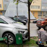 """Троллейбус и легковушка """"поцеловались"""" в центре столицы (ФОТО)"""