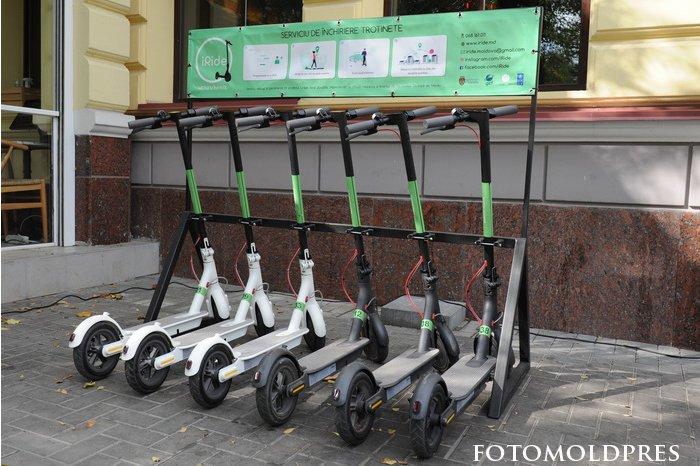 Быстро и экологично: в Кишинёве запустили прокат электросамокатов