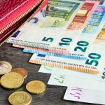 Курсы валют: евро подешевеет