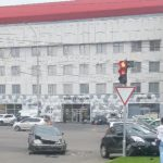"""Авария в столице: легковушка """"впечаталась"""" в столб (ФОТО)"""