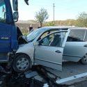 В Сынжерей легковушка столкнулась с грузовиком: есть пострадавшие