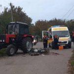 Смертельное ДТП во Флорештах. Мотоциклист врезался в трактор и погиб