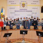 Генпримар вручил награды молодым спортсменам за выдающиеся результаты на чемпионате Молдовы по боксу