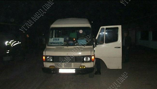 Двухлетний ребёнок попал под колёса микроавтобуса в Григориополе