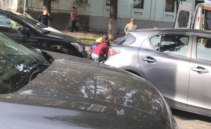 ДТП в столице: таксист сбил женщину на пешеходном переходе