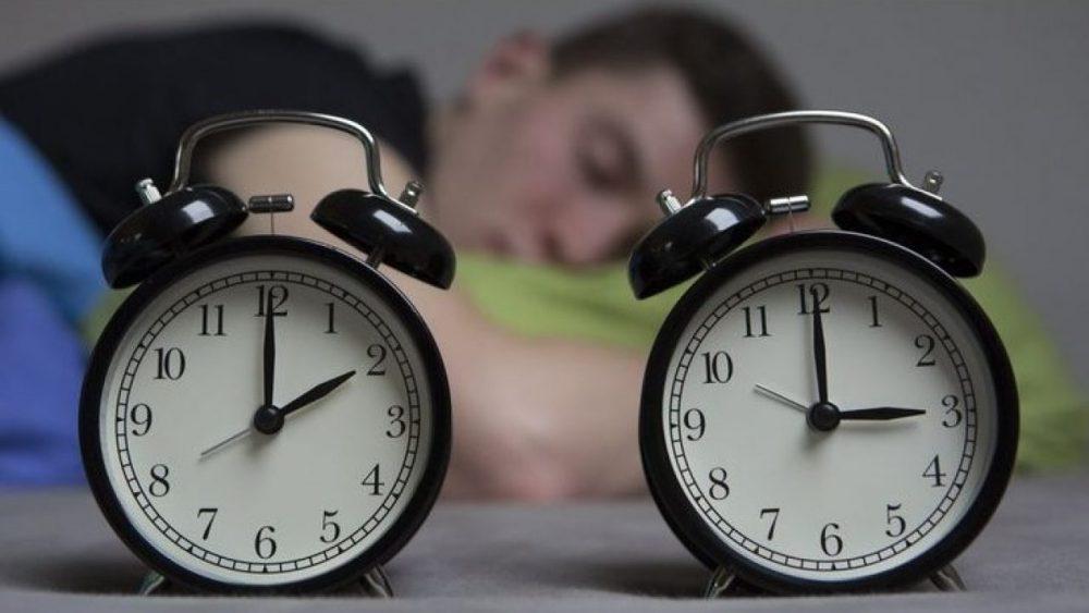 В воскресенье Молдова переходит на зимнее время: не забудьте перевести часы