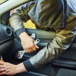 В Днестровске поймали парочку воров, которые вскрывали по ночам автомобили