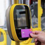 Кондукторы будут инструктировать пассажиров в период тестирования системы электронной оплаты