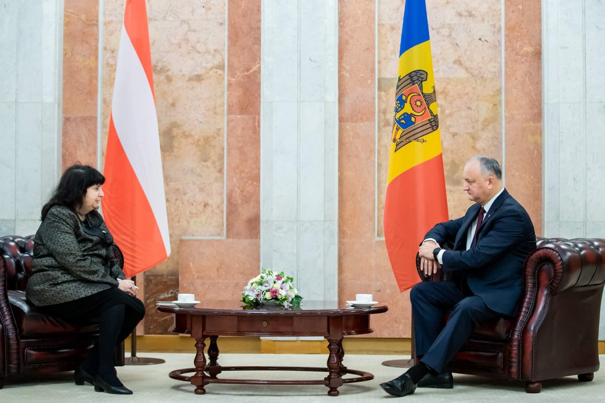 Додон выступил за увеличение объемов двусторонней торговли и за диверсификацию экономического сотрудничества с Австрией (ФОТО)
