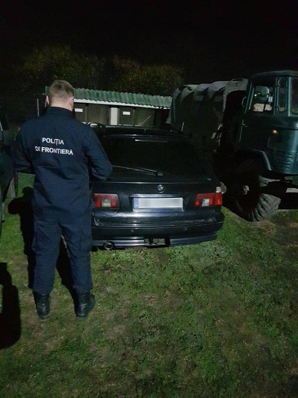 Инцидент на границе: водитель предъявил просроченные документы на авто
