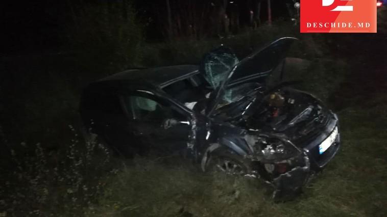 Автомобиль и локомотив столкнулись на переезде в Аненах: есть пострадавшие (ФОТО)