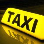 Столичный таксист пообещал пассажирке помочь с правами за кругленькую сумму