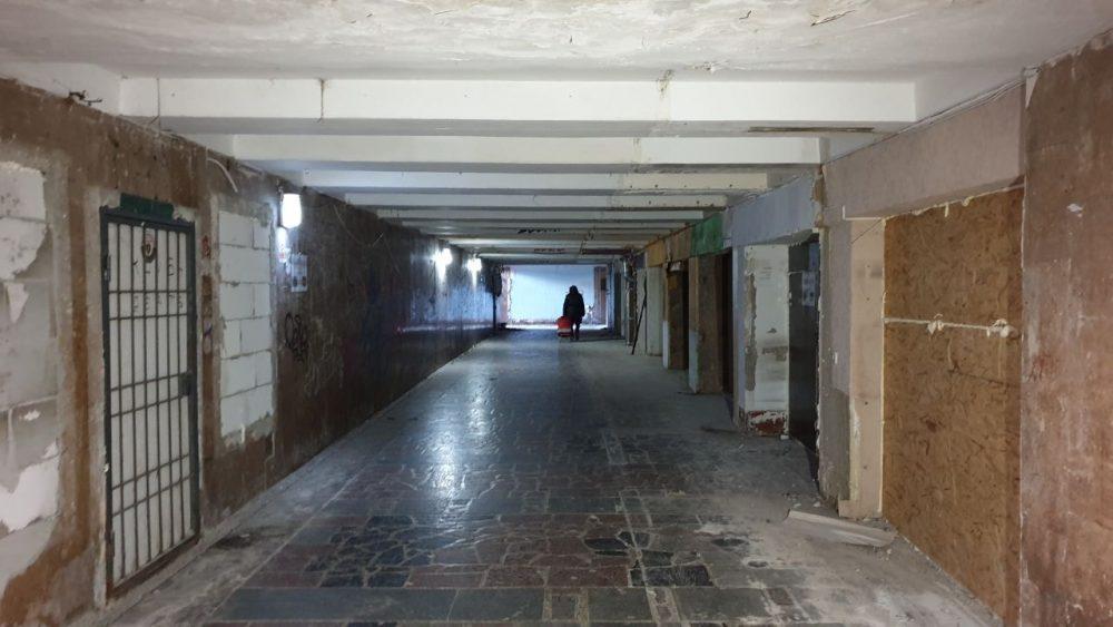 На улице Иона Крянгэ начали ремонтировать подземный переход (ФОТО)