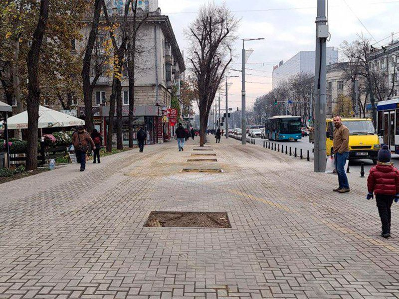 Чебан показал тротуар, восстановленный после сноса незаконного магазина (ФОТО)