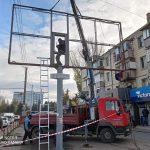 Началась эвакуация рекламных панно с тротуара на улице Каля Ешилор