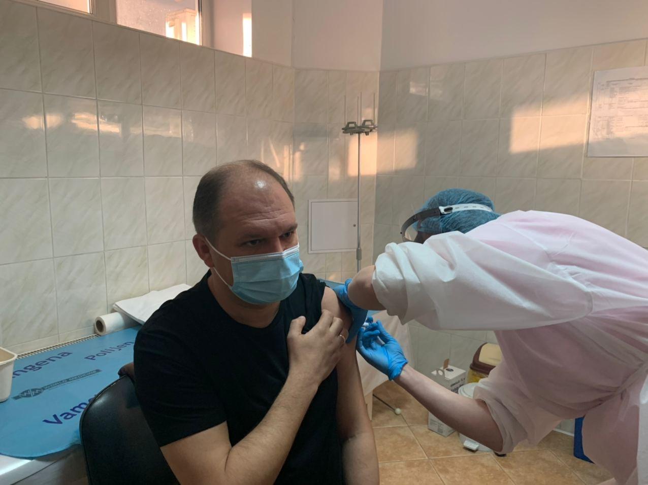 Ион Чебан сделал прививку от гриппа