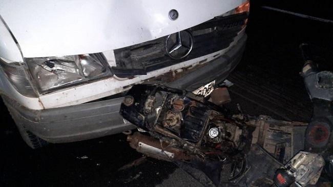 Серьёзное ДТП в Леушенах: микроавтобус врезался в мотоцикл (ФОТО)