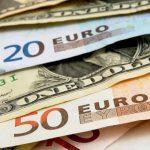 Курсы валют на конец недели: евро снова устремился вверх