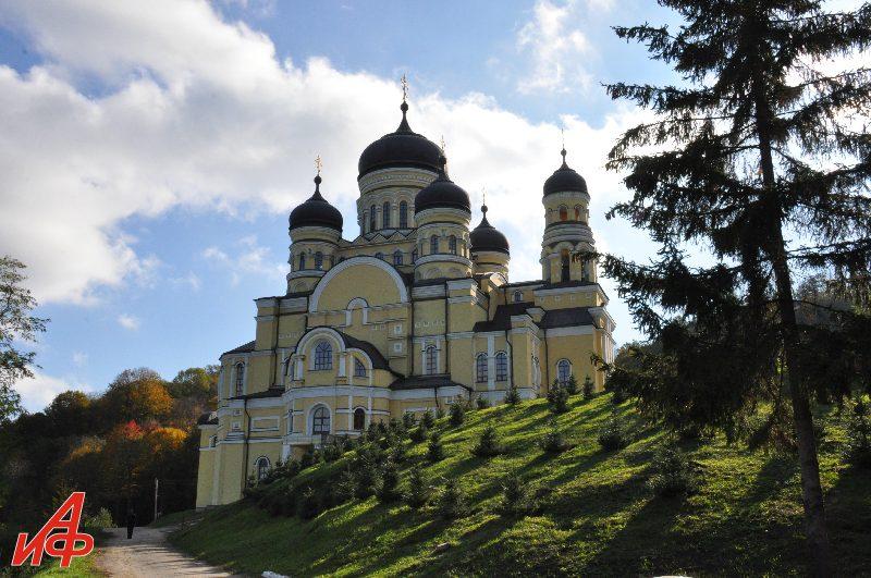 Молдова глазами Взорова. Монастырь Святого Георгия в Сурученах.