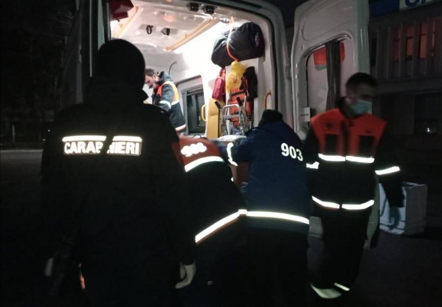 Карабинеры пришли на помощь потерявшему сознание на улице мужчине (ФОТО)