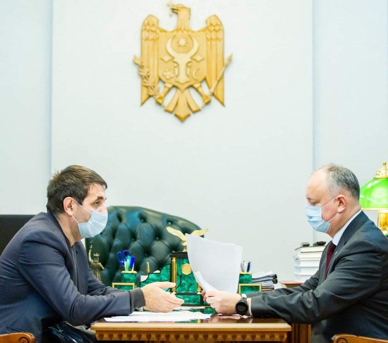 Игорь Додон намерен и далее содействовать развитию шахмат в Молдове