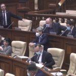Депутаты проголосовали за новый Закон о функционировании языков и за возврат российских новостных и аналитических программ