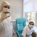 В Москве началась вакцинация групп риска от коронавируса