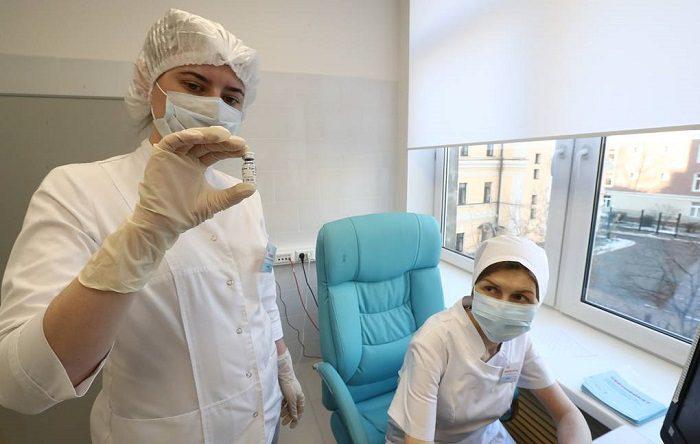 В медицинские учреждения страны передано более 51 тысячи доз вакцины от коронавируса