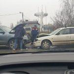 Лобовое столкновение на Рышкановке: водителя без сознания увезли в больницу