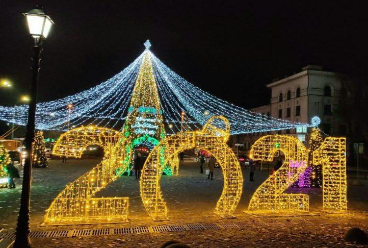 В столице дан старт зимним праздникам: как выглядит украшенный Кишинёв (ФОТО)
