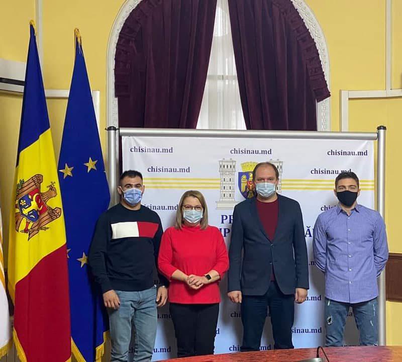 Ион Чебан вручил дипломы двум молдавским дзюдоистам: Мы продолжим развивать спорт в Кишинёве!